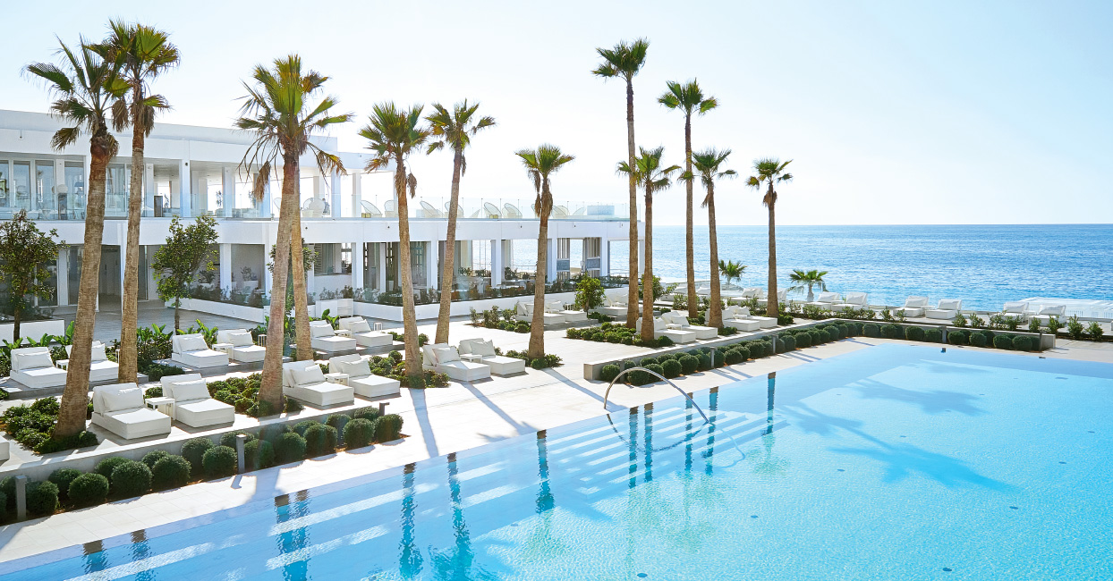 05-hippie-wellness-spa-for-laidback-vacation-in-grecotel-white-palace