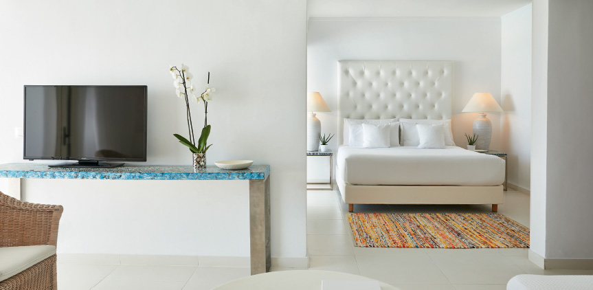 01 Luxury-Family-Suite-with-Sea-View-White-Palace-Rethymno