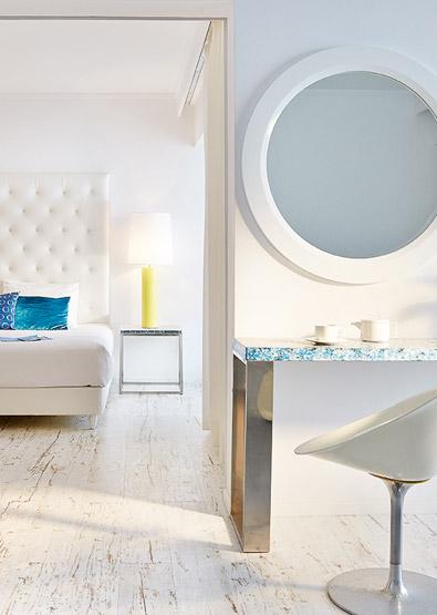 Luxury-Family-Suite-with-Sea-View-Crete