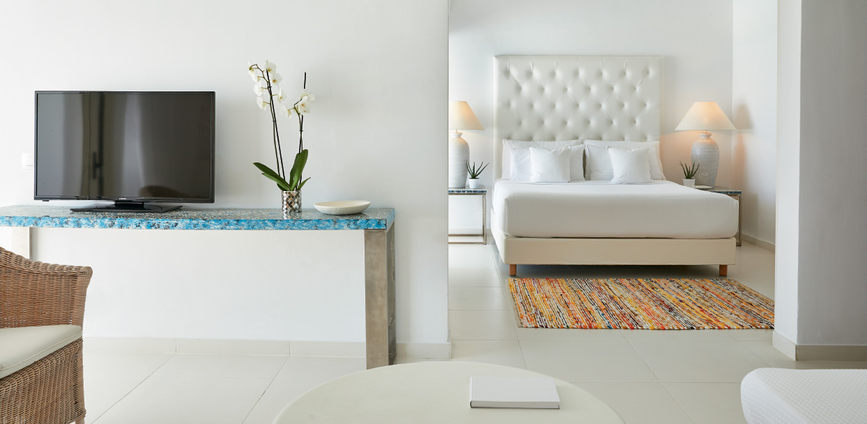 Luxury-Family-Suite-with-Sea-View-White-Palace-Crete