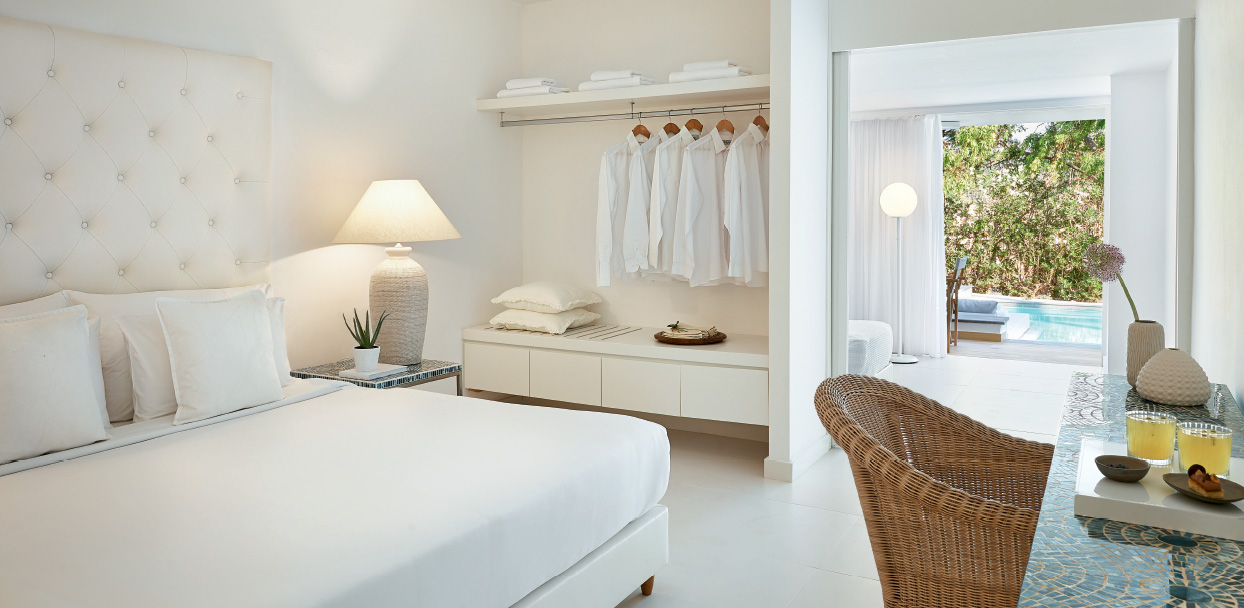 Family-Vacation-Swim-up-Guestrooms-White-Palace-Resort-Crete