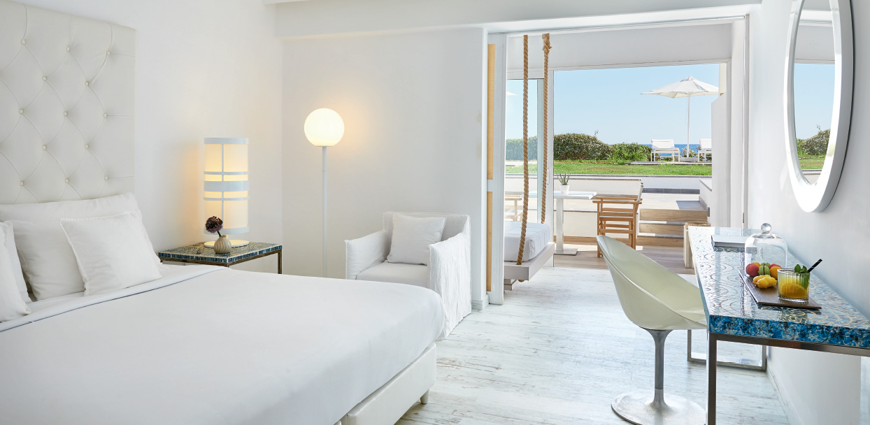 Prestige-Bungalow-in-Crete-with-Sea-View-White-Palace-Resort