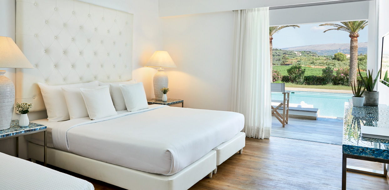 Swim-up-double-guestroom-white-palace-resort-crete