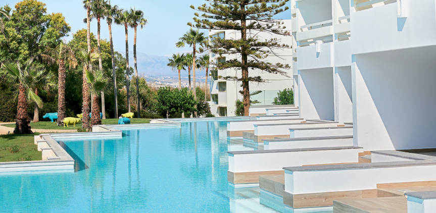 04-Accommodation-Swim-up-double-guestroom-white-palace-resort