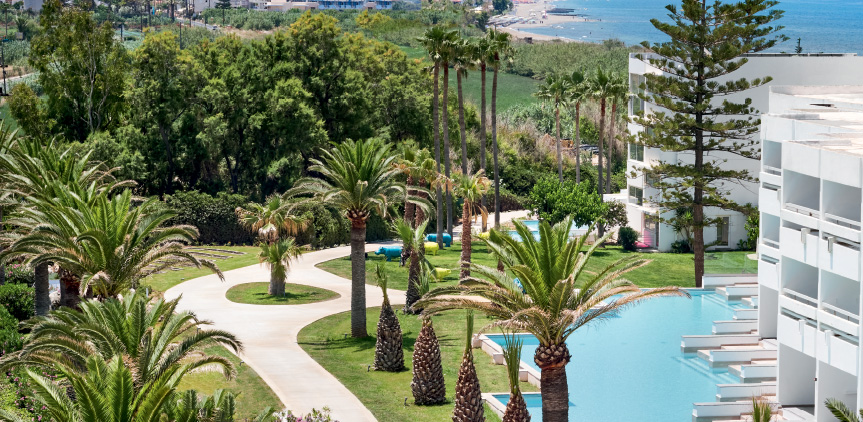 06-Accommodation-Swim-up-double-guestroom-white-palace-resort