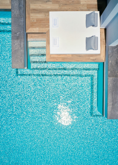 swim-up-double-guestroom-white-palace