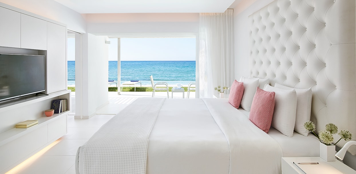 01-Luxe-Yali-Suite-with-pool-in-Crete-Island-Greece