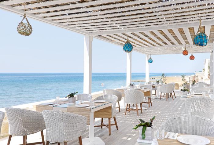 01-white-palace-tavernaki-greek-restaurant