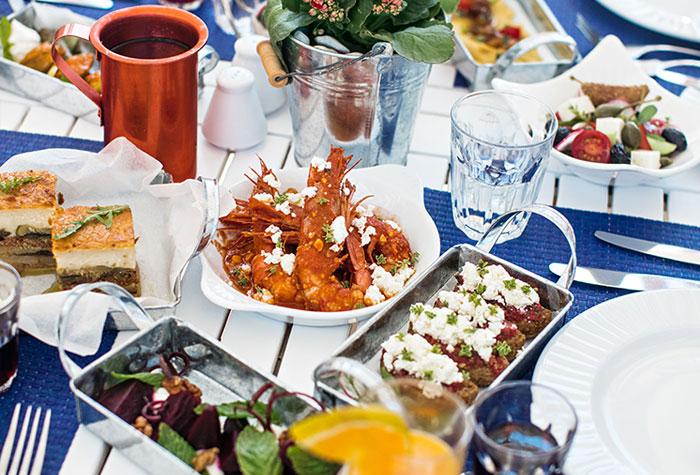 03-white-palace-the-taverna-greek-restaurant