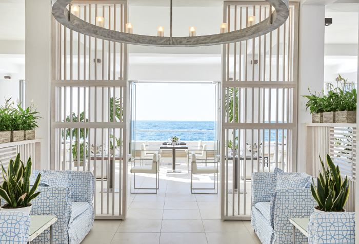 01-all-day-dining-ventanas-il-mar-restaurant-in-grecotel-white-palace-resort-in-greece