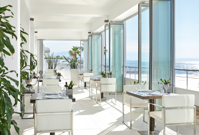 02-outdoors-meals-ventanas-il-mar-restaurant-in-grecotel-white-palace-resort