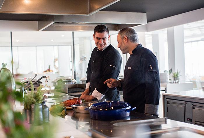 05-white-palace-ventanas-il-mar-mediterranean-restaurant