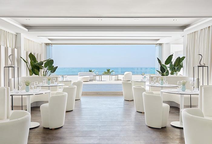 01-fine-dining-in-grecotel-white-palace-lux-me-all-inclusive-resort-in-crete