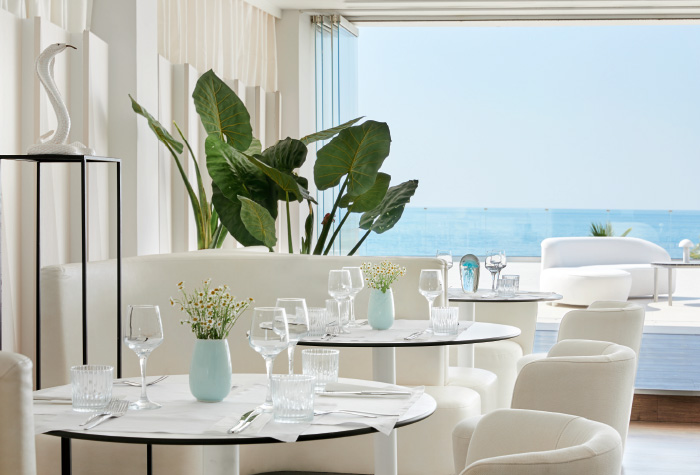 03-the-white-restaurant-in-grecotel-white-palace-lux-me-all-inclusive-dining