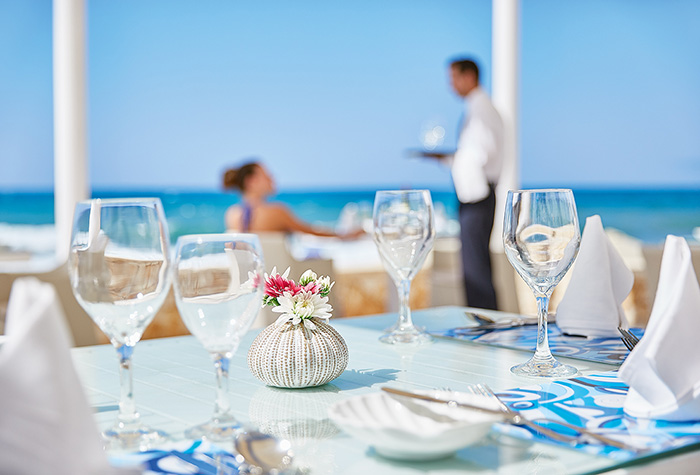 luxury-beach-service-white-palace