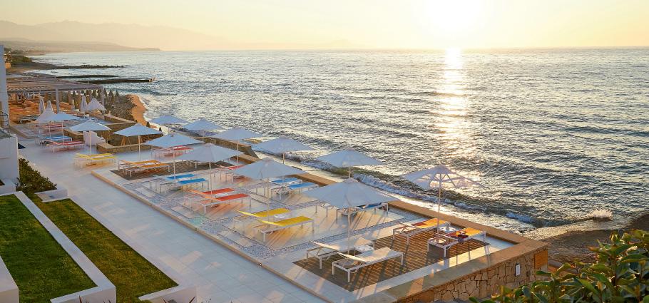 05-blue-flag-sandy-beach-in-white-palace-luxury-beach-resort