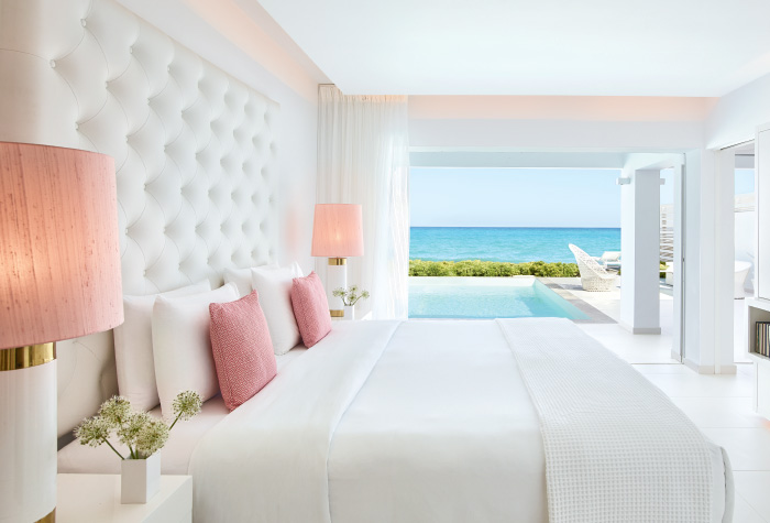 02-luxury-accommodation-honeymoon-in-grecotel-white-palace-lux-me-resort-by-the-sea-greek-holidays