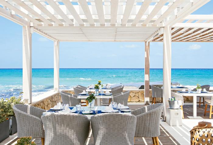 fine-dining-creta-riviera-luxury-hotel-white-palace