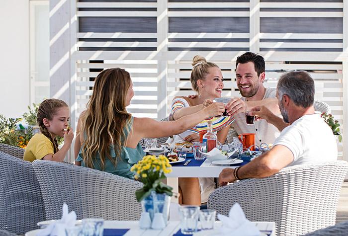 fine-dining-creta-riviera-white-palace