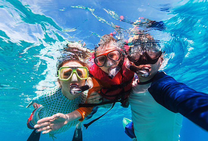kids-underwater-activities-crete