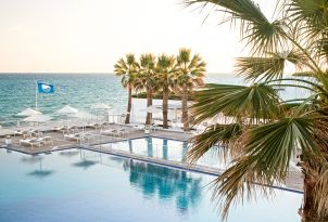 02-beach-pool-white-palace-resort-crete
