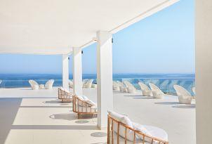04-lounge-area-al-fresco-in-sunny-crete-grecotel-white-palace-resort-greece-holidays