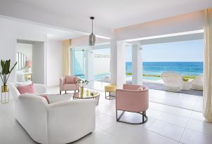 05-seafront-villa-white-private-pool-white-palace-luxury-resort