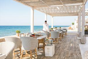 10-seaside-restaurants-white-palace-luxury-hotel