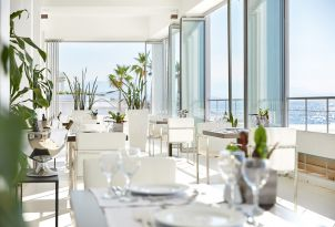12-fine-dining-and-gastronomy-in-elegant-restaurant-in-grecotel-white-palace-lux-me-resort-in-greece