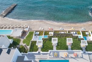 12-Lux-me-yali-seafront-suite-sharing-pool-white-palace