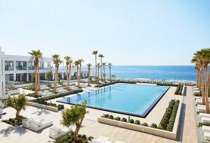 15-grecotel-white-palace-in-rethymno-big-blue-main-pool-by-the-beach-cretan-holidays