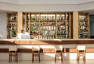 22-white-palace-luxury-resort-six-bars-in-crete