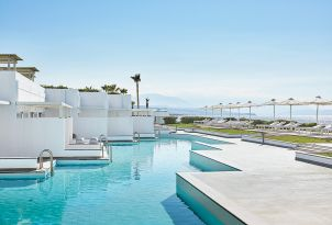 28-swim-up-accommodation-selection-in-grecotel-white-palace-by-the-sea-in-summer-greece