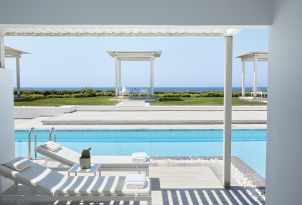 29-lounge-by-the-pool-swim-up-collection-accommodation-in-grecotel-white-palace-in-rethymno-greece