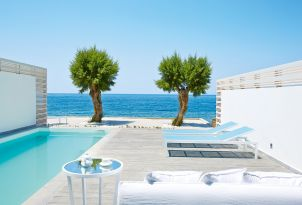 49-white-palace-seafront-villa-accommodation-private-pool