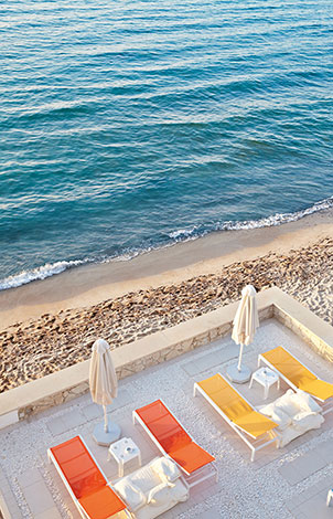 pool-and-beach-resort-in-crete