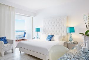 superior-guestroom-white-palace