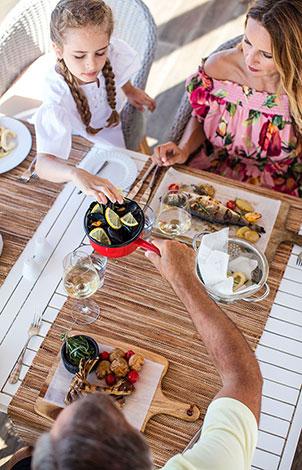 white-palace-luxury-resort-in-crete-taverna-greek-a-la-carte-restaurant